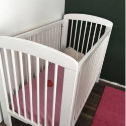 Donne lit bébé bois blanc