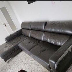 Canapé d'angle divisible en deux très confortable